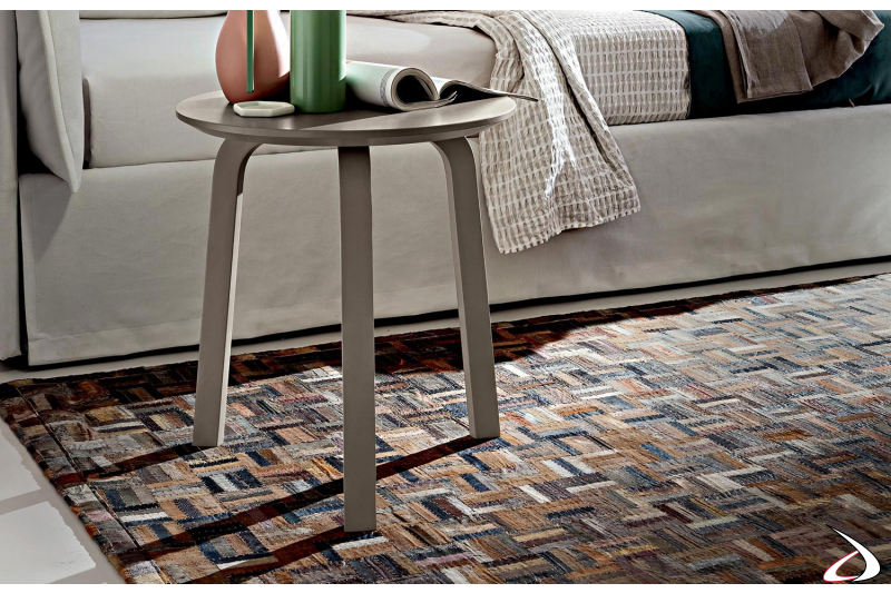 Tavolino alto moderno rotondo da lato divano con 3 gambe
