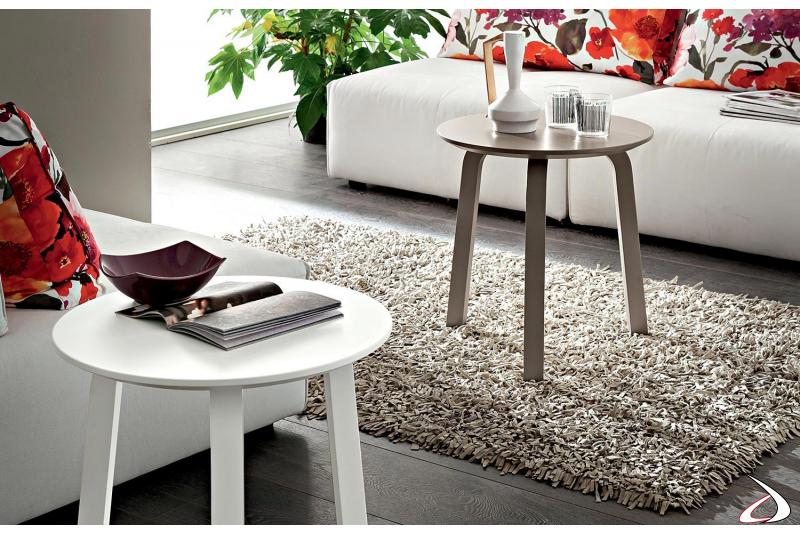 Tavolini moderni rotondi alti da fianco divano bianco e ecrù