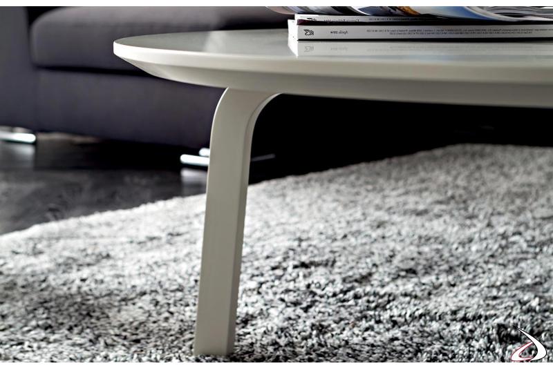 Tavolino basso moderno da soggiorno in legno laccato opaco ecrù