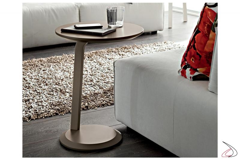 Tavolino alto tortora da lato divano con piano rotondo