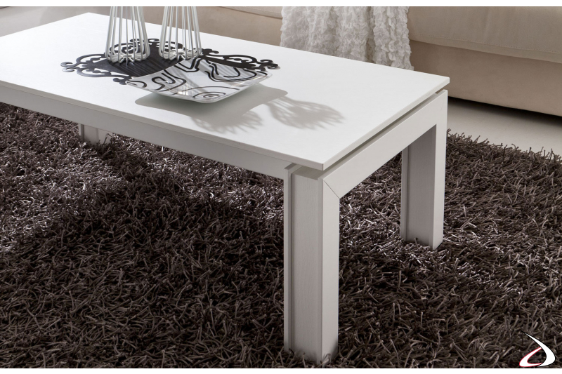Tavolino in legno da soggiorno basso