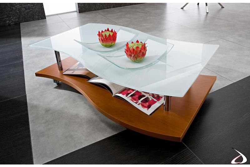 Tavolino basso moderno su ruote con piano in vetro bianco sagomato