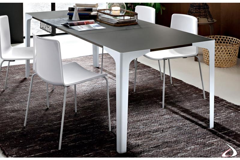 Tavolo design da soggiorno allungabile