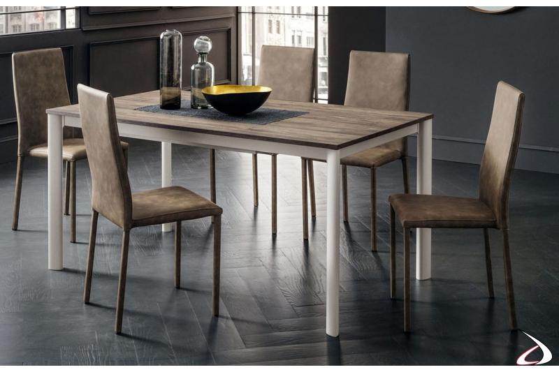 Tavolo allungabile con piano in hpl Old Wood e struttura bianca laccata