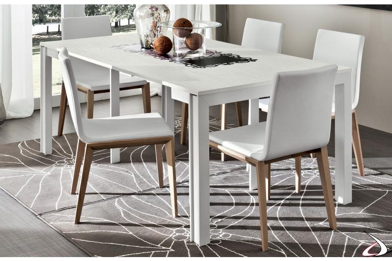 Tavolo consolle moderna con piano in legno allungabile