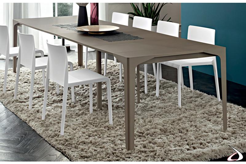 Tavolo consolle moderno allungabile in fenix