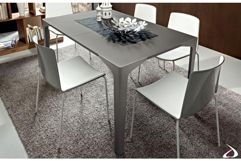 Tavolo moderno da cucina