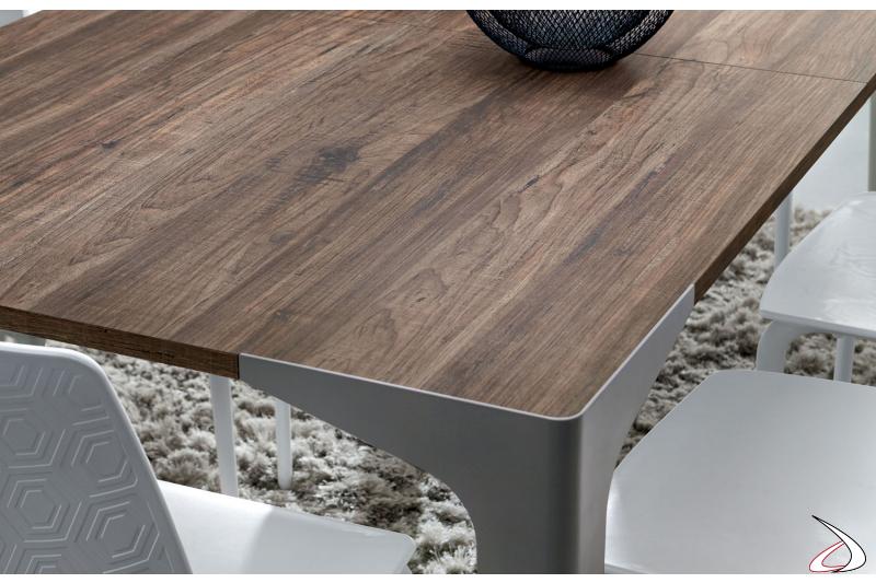 Tavolo moderno con piano in hpl
