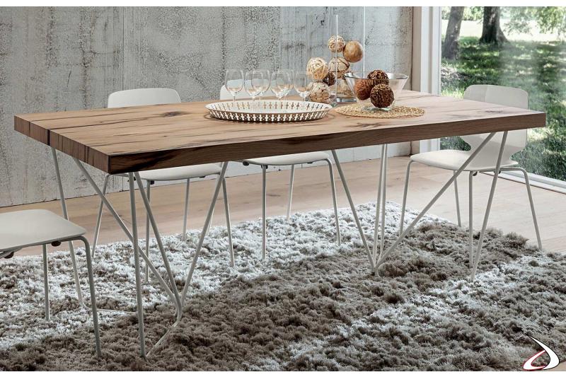 Tavolo da soggiorno con base metallo laccato bianco, piano rovere antico