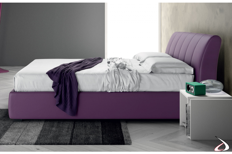 French or queen size padded bed