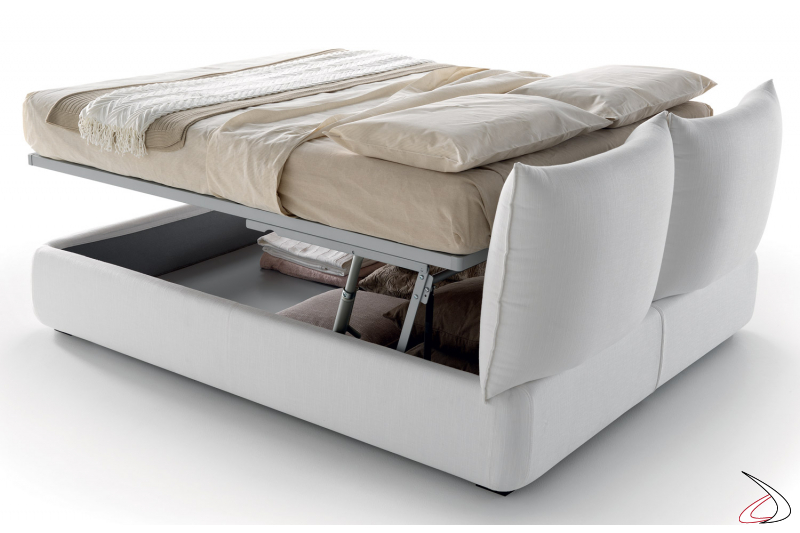 Queen size bed with lift system