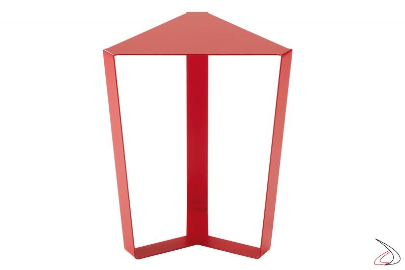 Tavolino triangolare in metallo rosso