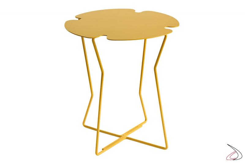 Tavolino in metallo di design a forma di fiore