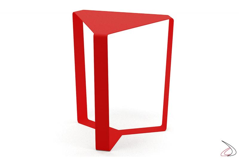 Tavolino triangolare da salotto in metallo rosso