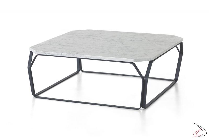 Tavolino design da soggiorno con piano in marmo bianco carrara