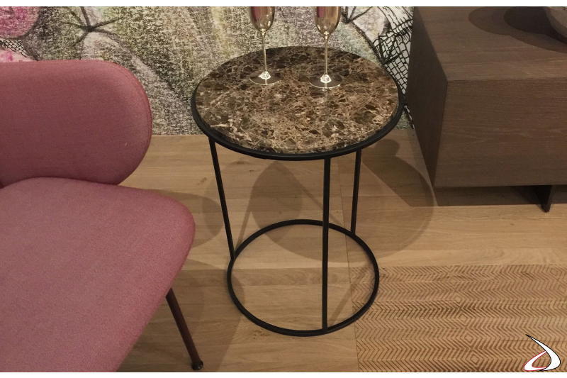 Tavolino rotondo in marmo marrone da soggiorno