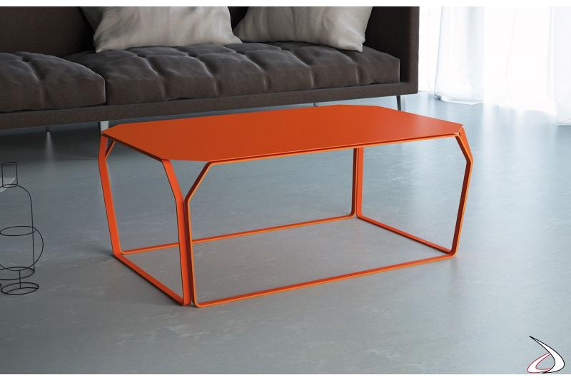 Tavolino moderno da salotto in metallo rosso