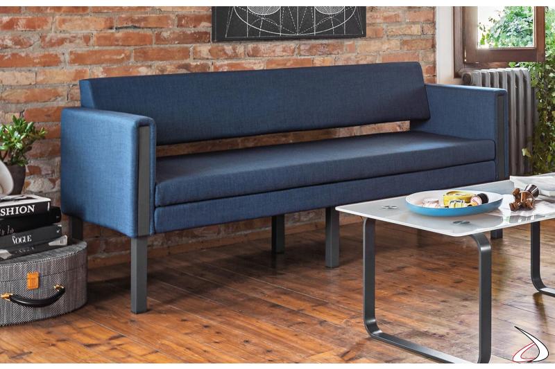 Divano 3 posti design sala attesa ufficio con struttura in metallo antracite