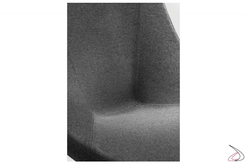 Poltrona in tessuto ignifugo con seduta bassa per sala attesa