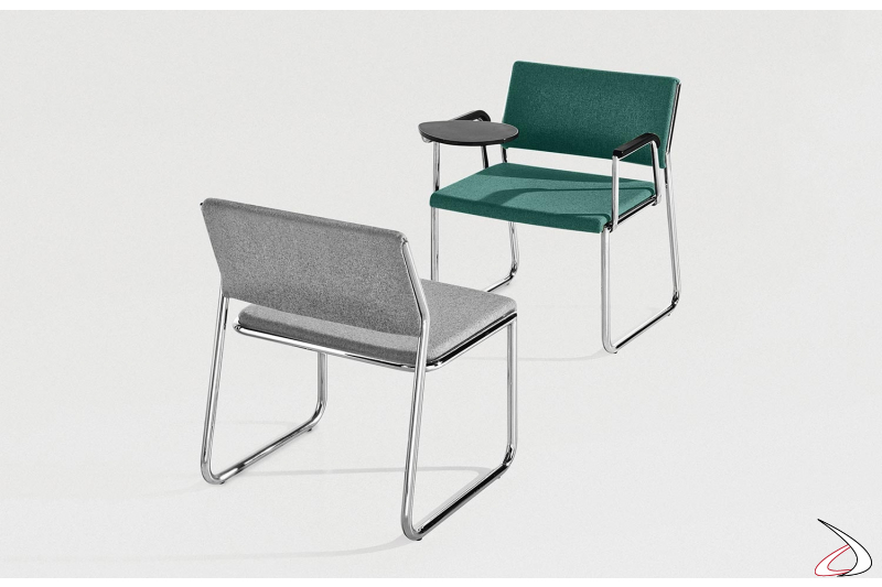 Sedia sala conferenza su slitta con seduta larga e tavoletta scrittoio