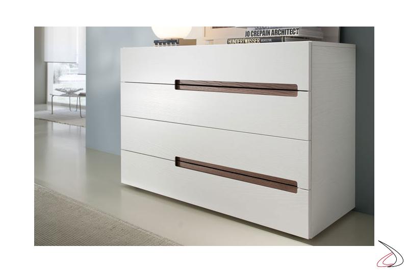 Comò design a 4 cassetti in legno