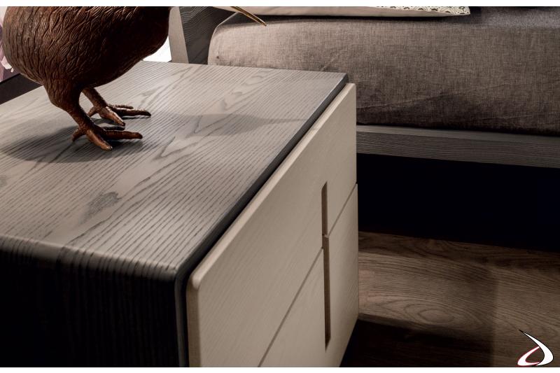 Comodino in legno 2 cassetti moderno