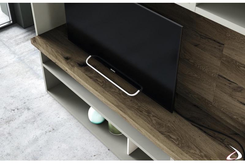 Mobile soggiorno divisorio con libreria e pannello porta tv in legno