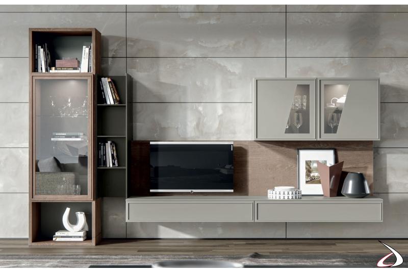 Soggiorno a terra di design in legno massello con vetrina