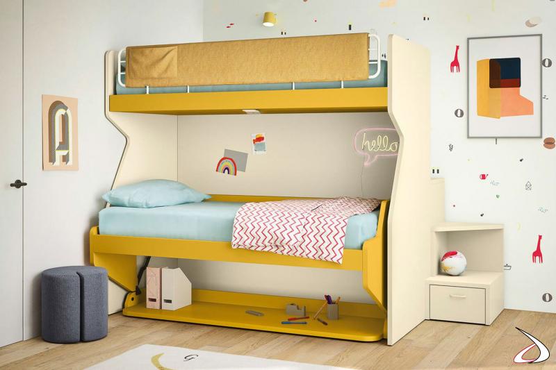 Litera con segunda cama abatible y escalera trasera para la habitación de los niños