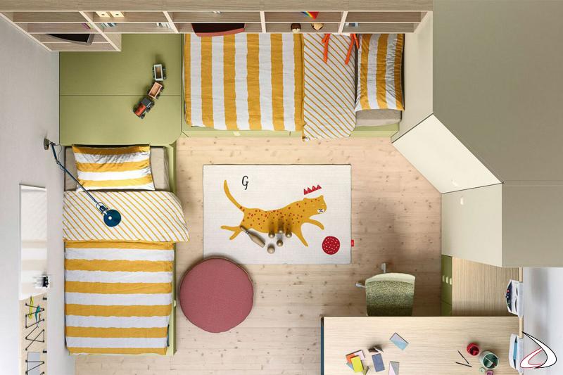 Chambre à coucher avec lits de rangement et armoire d'angle
