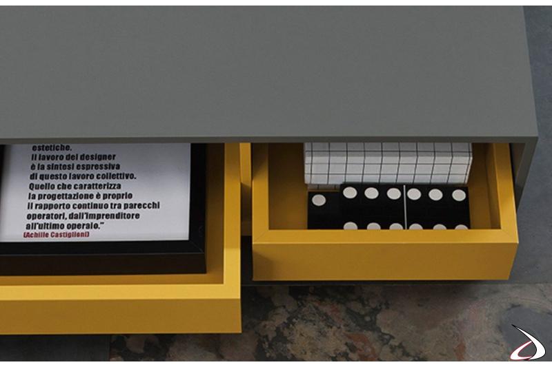 Tavolino di design da soggiorno con vassoio estraibili