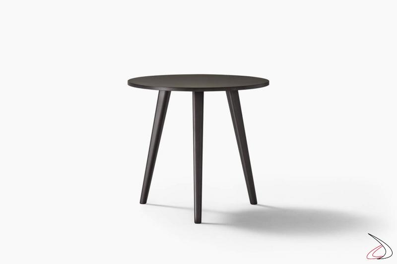 Tavolino rotondo alto moderno con tre gambe in legno