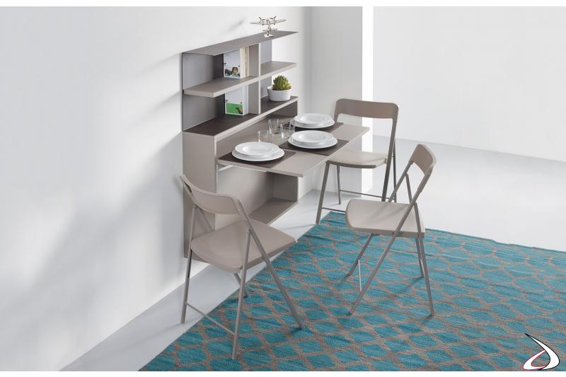Consolle moderna grigia da parete soggiorno con sedie e libreria