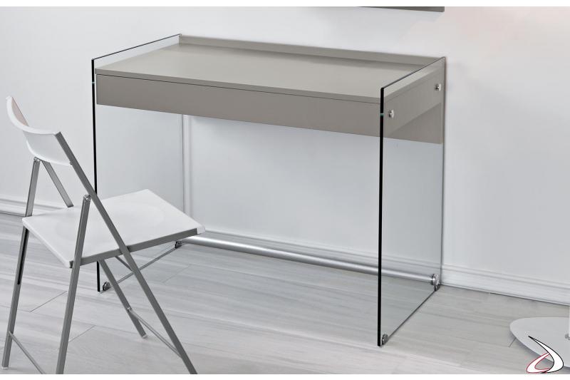 Consolle scrivania con fianchi in vetro trasparente e tubo poggiapiedi