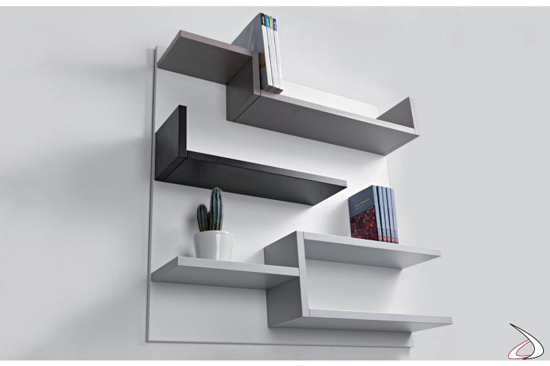Libreria di design a parete colorata