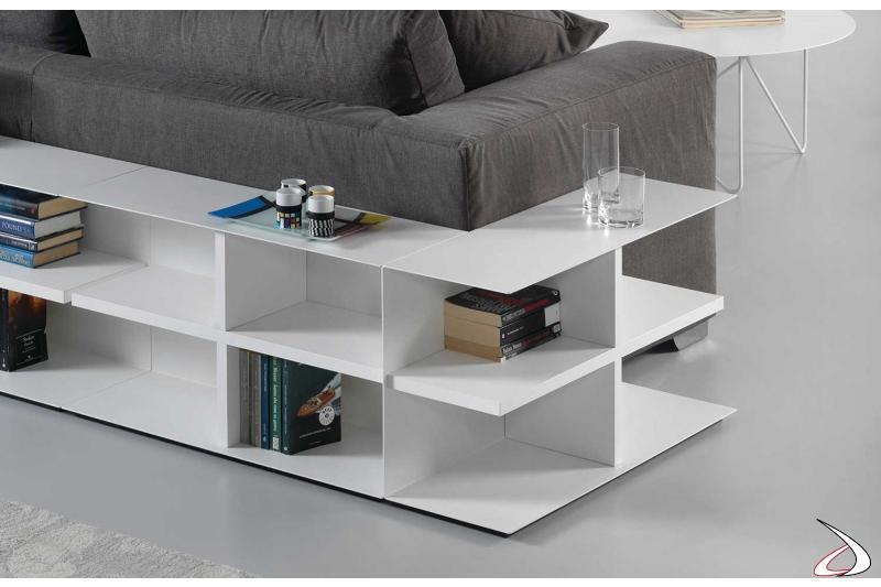Tavolino divano basso e bianco componibile a uso libreria