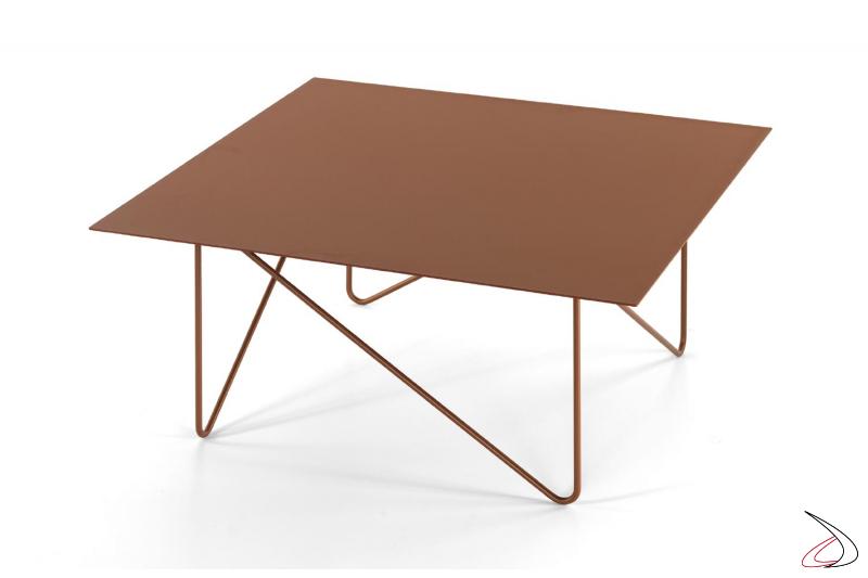 Tavolino color rame quadrato di design per divano