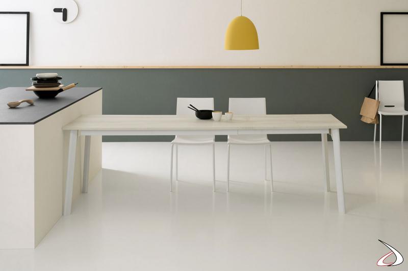 Tavolo da cucina moderno allungabile con piano e prolunghe in melaminico