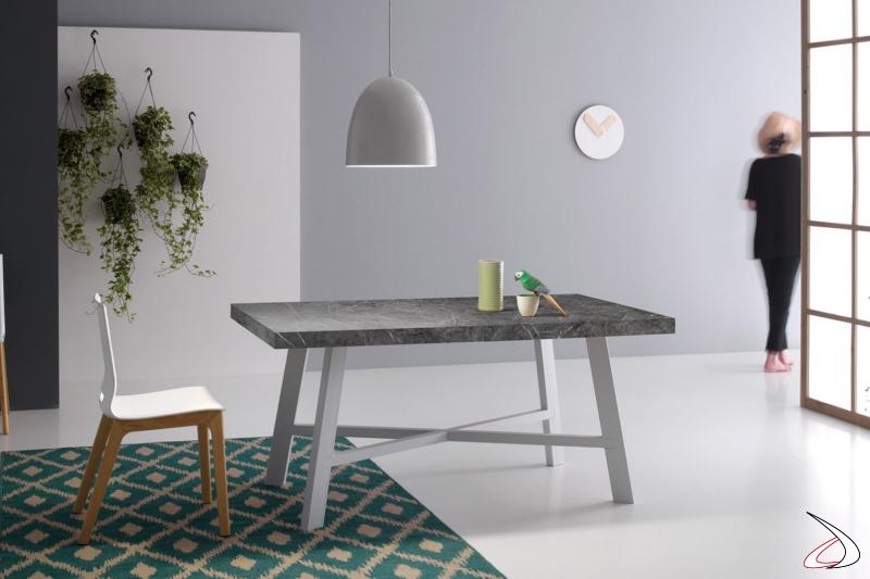 Tavolo piccolo allungabile da soggiorno in laminato cleaf marmo grigio