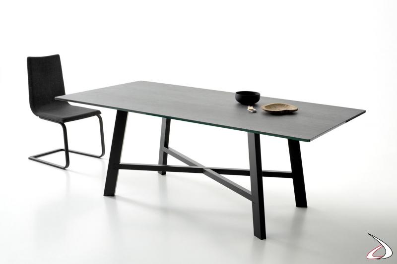 Tavolo fisso in ceramica di design da soggiorno con basamento poggiapiedi