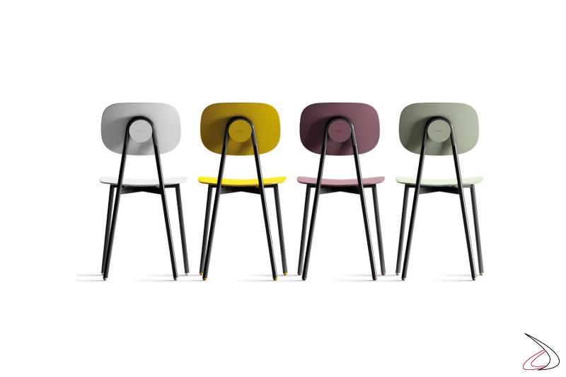 Sedie colorate di design con struttura in tubolare per tavolo da pranzo