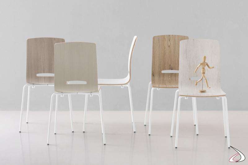 Sedia da cucina impilabile moderna economica con gambe in metallo bianco e seduta in laminato