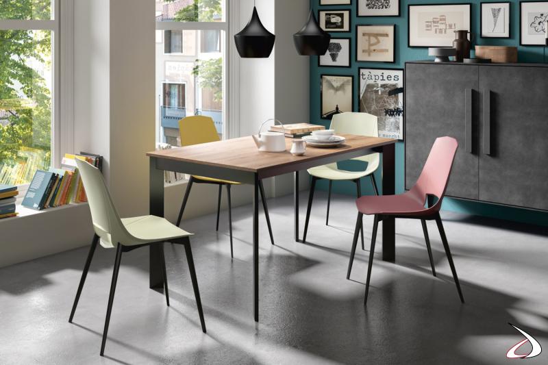 Tavolo moderno da soggiorno allungabile con piano in laminato cleaf