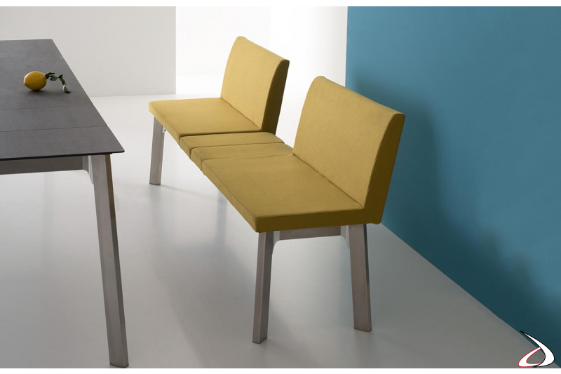 Panca per tavolo da pranzo allungabile con schienale alto rivestito in tessuto