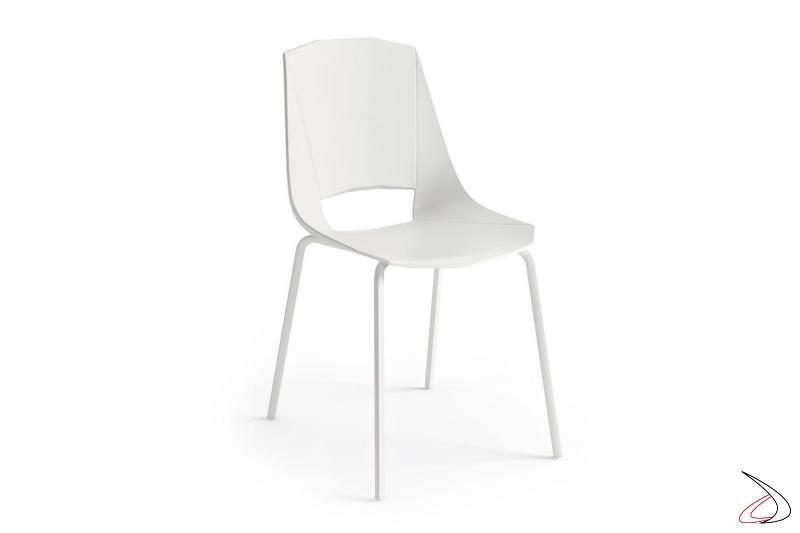 Sedia in polipropilene bianca moderna da soggiorno con gambe in metallo