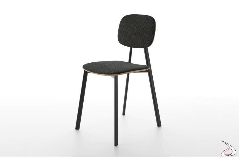 Sedia moderna imbottita con struttura seduta e schienale in impiallacciato