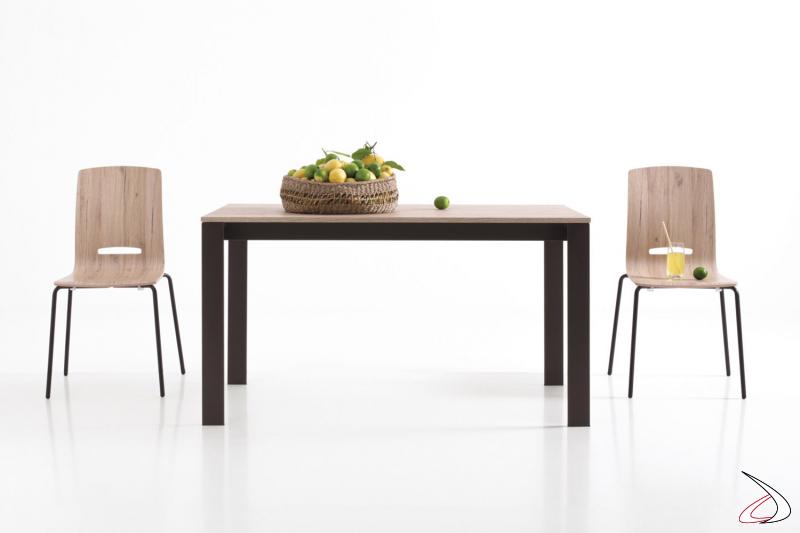 Tavolo piccolo da soggiorno di design allungabile