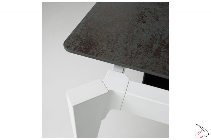 Tavolo soggiorno allungabile moderno con piano in ceramica oxide
