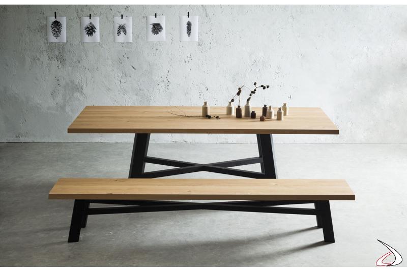 Tavolo design in legno massellato scortecciato in rovere naturale con panca