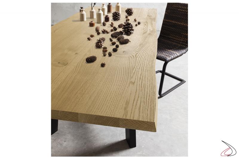 Tavolo soggiorno fisso di design con piano in legno rovere naturale scortecciato